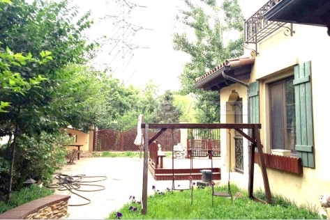 Rent a sought-after  house of Rose & Gingko Villa in Beijing