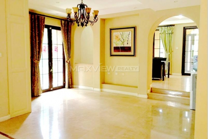 Rent a sought-after  house of Rose & Gingko Villa in Beijing 5bedroom 347sqm ¥45,000 BJ0001528