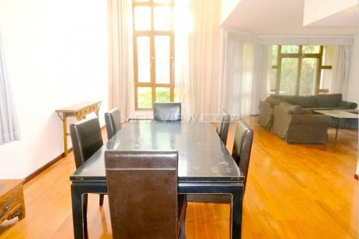 Rent exquisite 360sqm 4br house in Lane Bridge Villa of Beijing