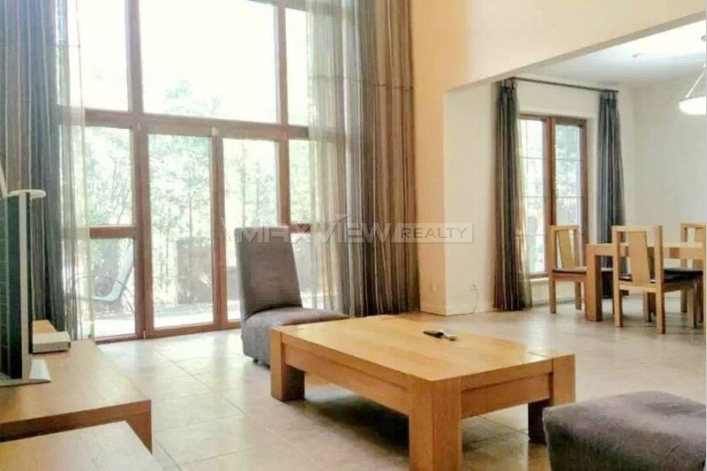 Rent exquisite 380sqm 4br house in Lane Bridge Villa of Beijing