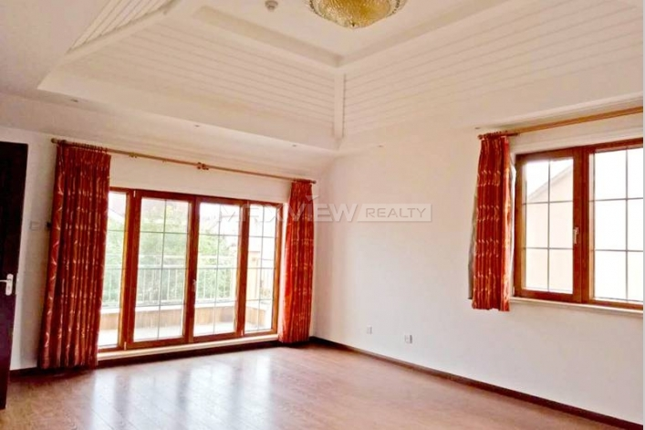 Rent exquisite 356sqm 4br house in Lane Bridge Villa of Beijing