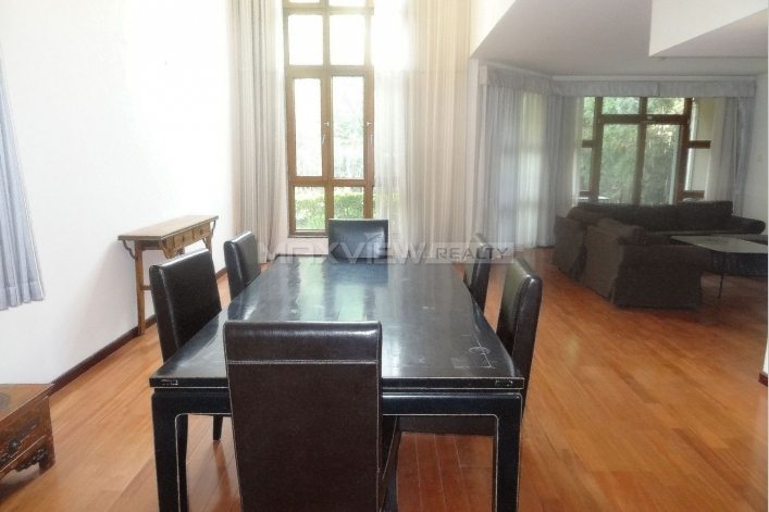 Rent exquisite 300sqm 4br house in Lane Bridge Villa of Beijing