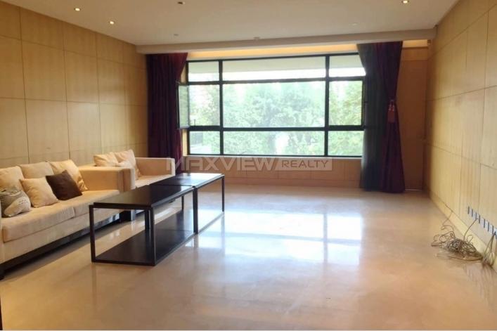 Luxury apartment rental in Chateau Regency