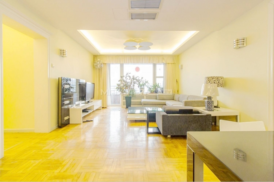 Beijing apartments in Parkview Tower 3bedroom 200sqm ¥28,000 CY400066